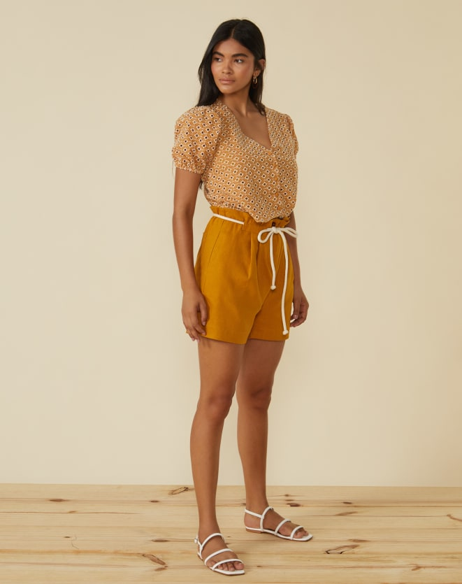 SHORTS CLOCHARD LINHO COM VISCOSE