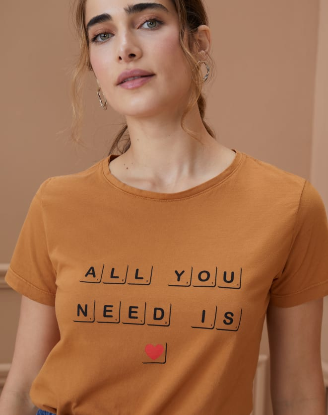 T-SHIRT ALL YOU NEED IS LOVE