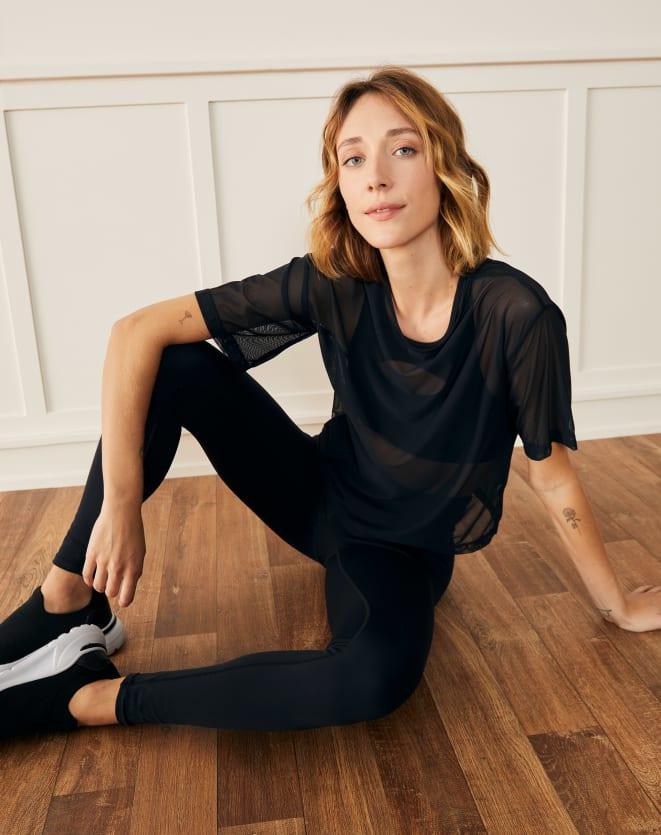 Camiseta esportiva de tule, da Amaro