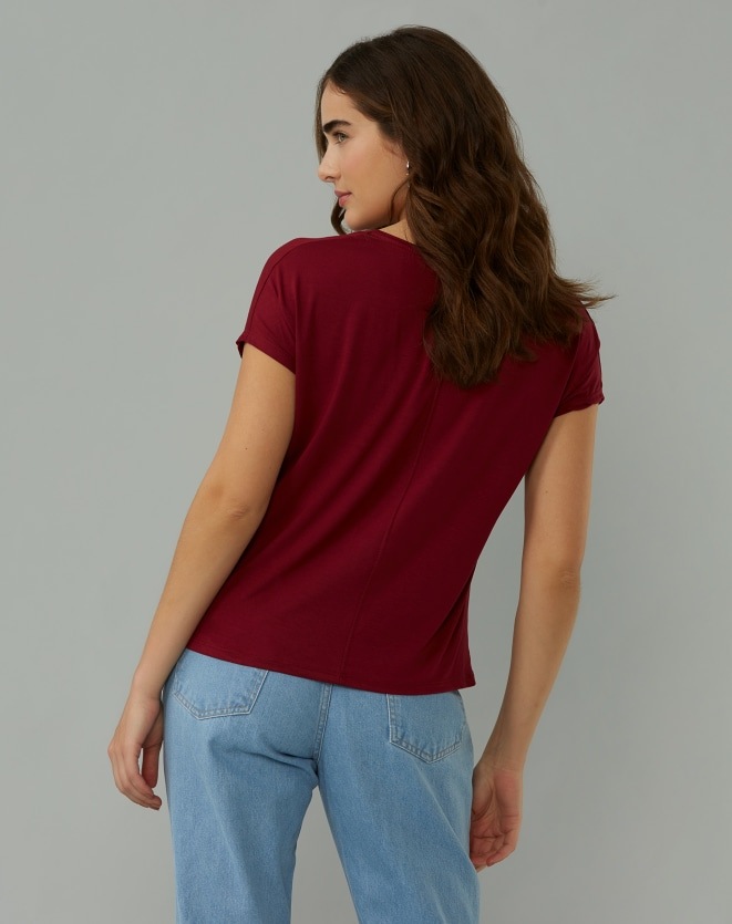 T-SHIRT BÁSICA VISCOSE DECOTE V